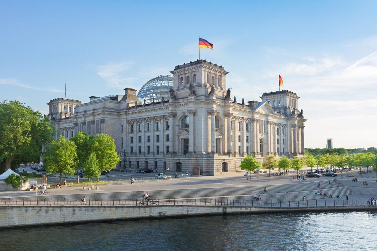 3D-Kurierfahrten ab und nach Berlin