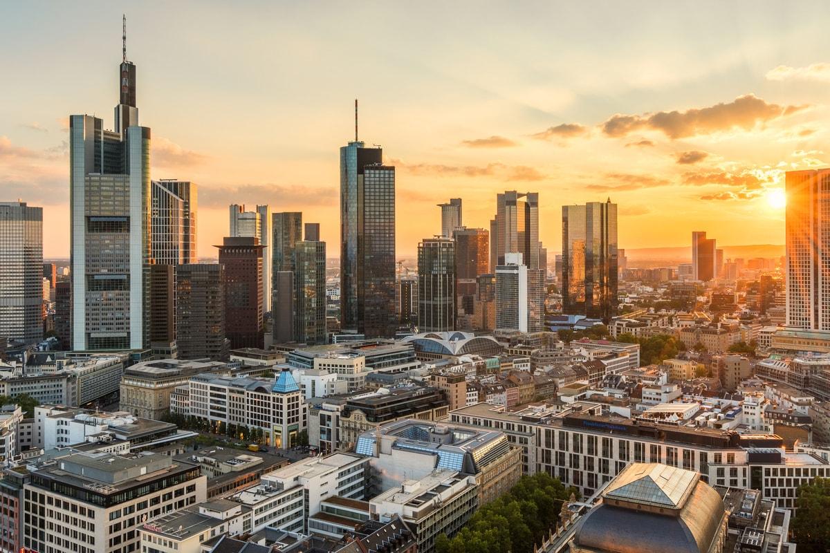 Weltweiter Versand von und nach Frankfurt